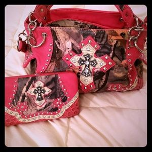 Handbags - Super cute purse with matching wallet